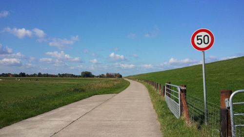 Deichland Radweg Tossens